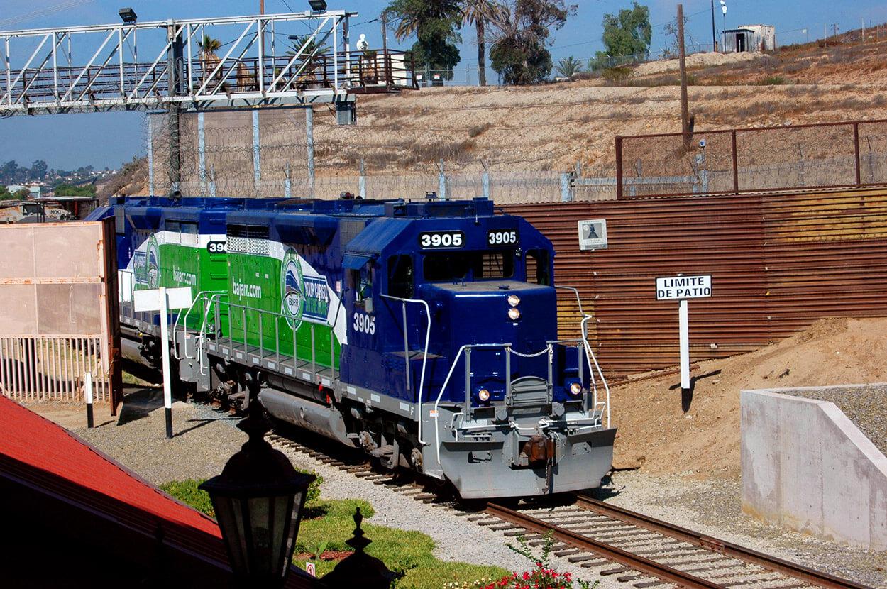 Cruce de locomotora de USA a MX