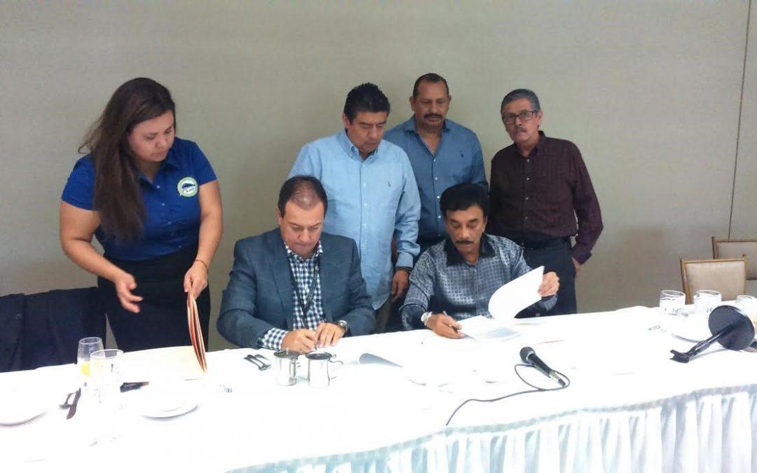 Firma Baja California Railroad contrato colectivo con Sindicato de Ferrocarrileros