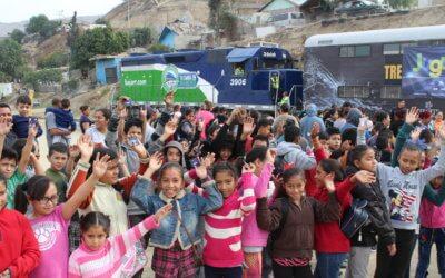Baja California Railroad reparte alegría a través de sus vías.