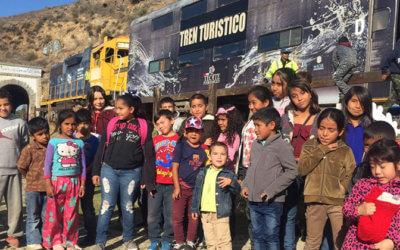 Brinda Baja California Railroad viaje de ensueño en tren a 150 niños